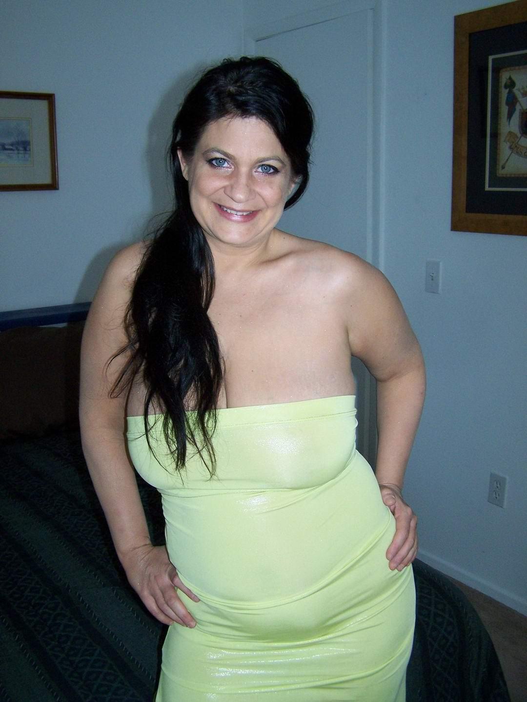 Nice tits rides dildo